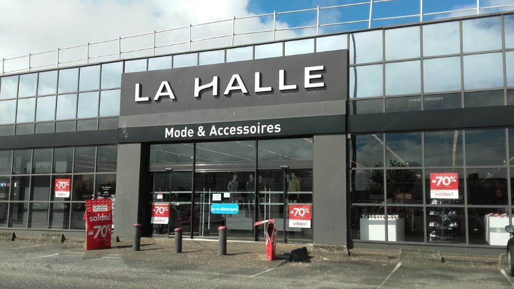 la_halle-aux-vetements